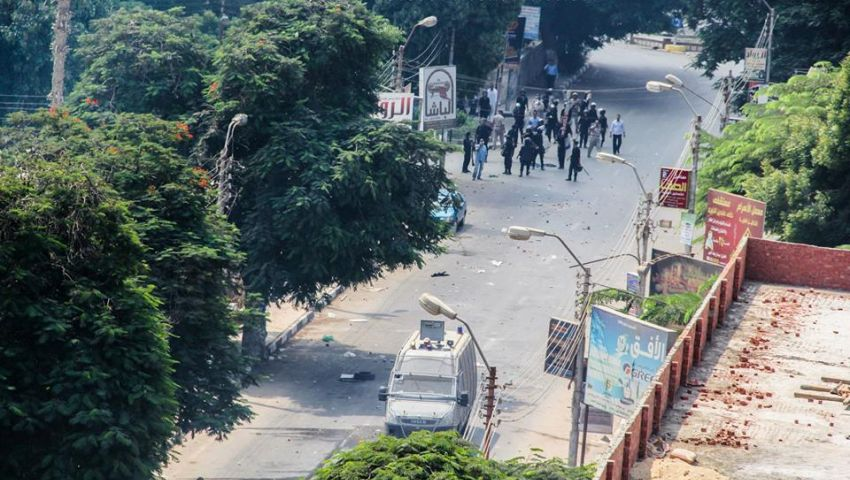 إلقاء شماريخ على مبنى الشرطة العسكرية ببني سويف