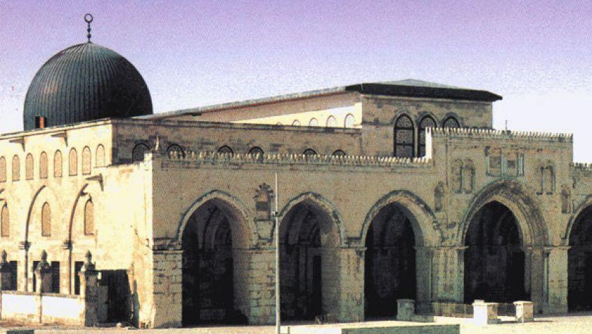 حاخام يقود مستوطنين لاقتحام المسجد الأقصى