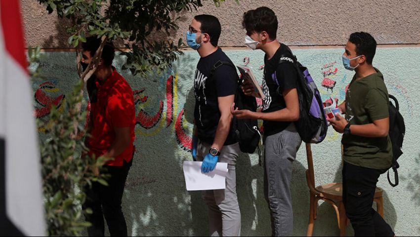 بعدما تسبب طلاب أوروبا في تفشي الفيروس.. اشتعال جدل كورونا والمدارس