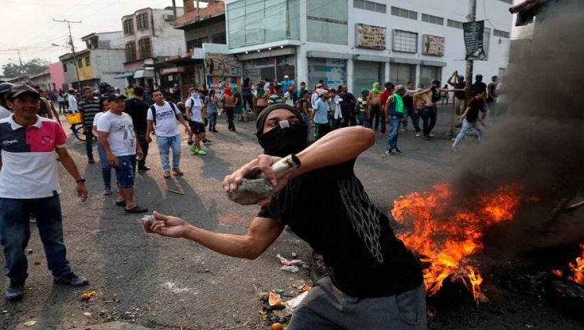 واشنطن بوست: بسبب المساعدات الإنسانية.. شوارع فنزويلا ساحات حرب