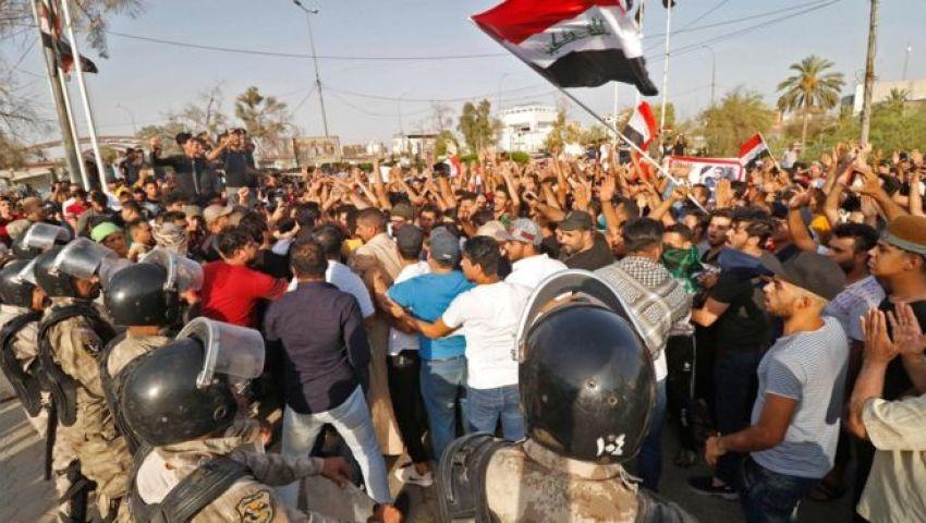 احتجاجات في العراق بسبب تردي الخدمات..واشتباكات مع الشرطة
