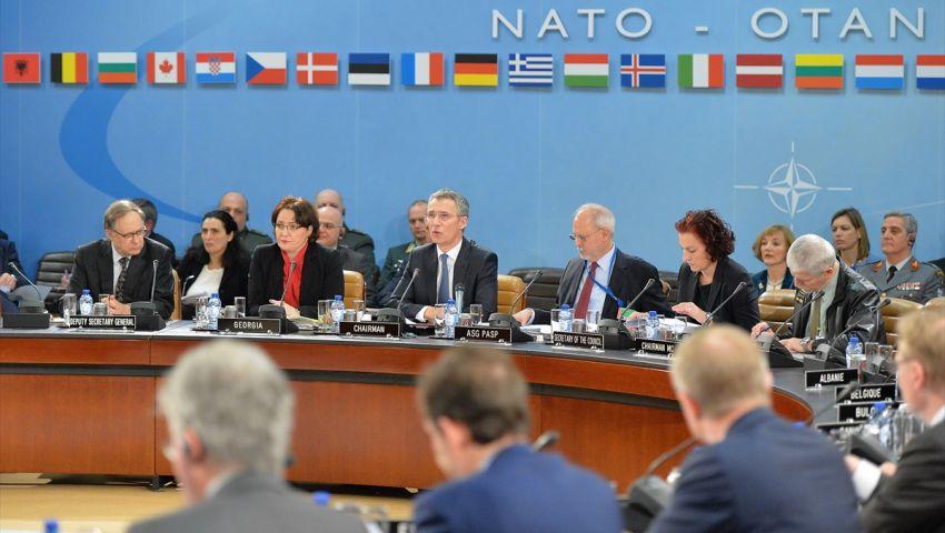 قادة الناتو يشاركون في قمة تاريخية وسط توترات مع روسيا