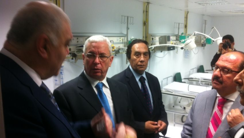 وزير التعليم العالي: أجهزة التكييف تعطل افتتاح مستشفى سموحة