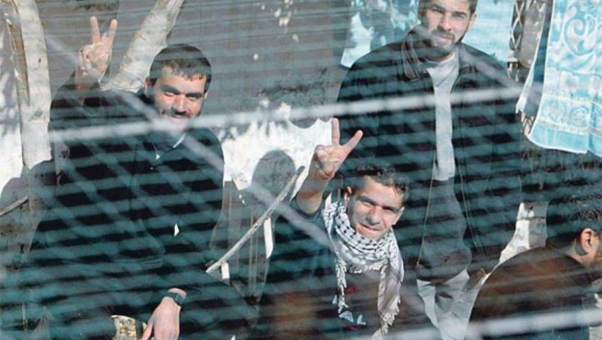 في سجون الاحتلال.. الأسرى يكافحون التنصل بـ«التصعيد»