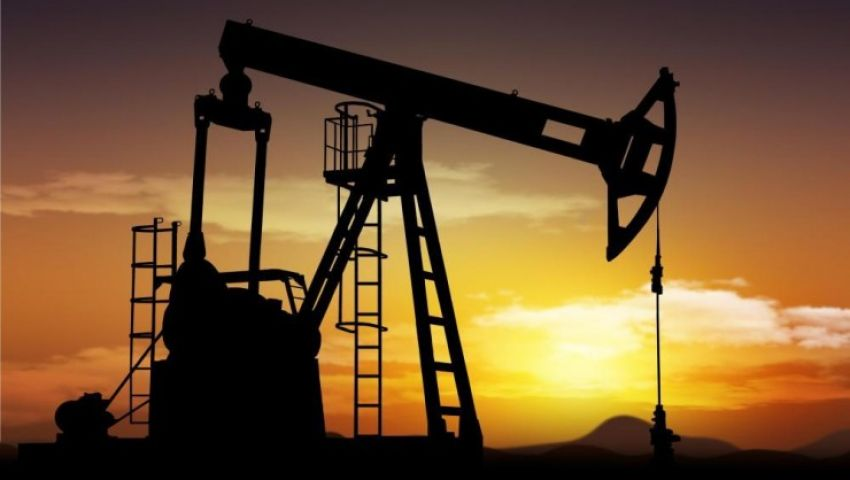 صعود عقود النفط بأكثر من 10% بعد حريق معمل أرامكو