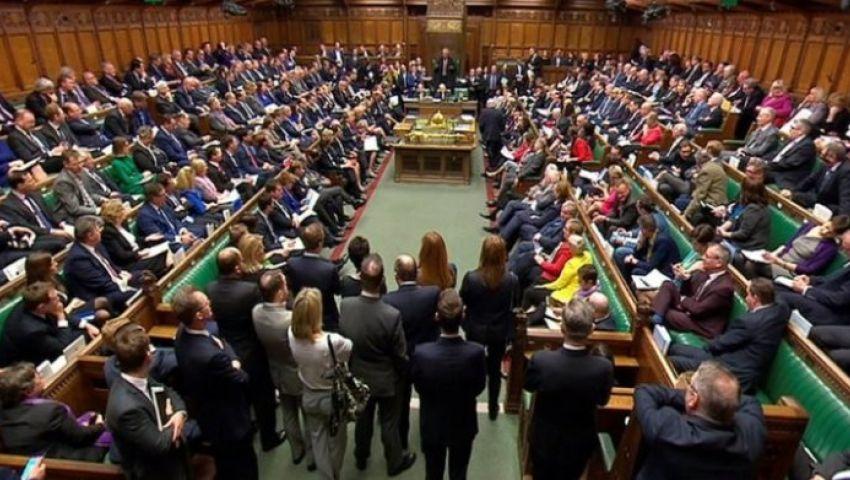 بريطانيا.. البرلمان يصوت لصالح مشروع يلزم لندن بتأجيل «بريكست»