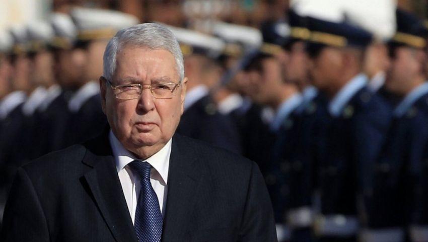 الجزائر.. 8 أحزاب معارضة ترفض تمديد ولاية الرئيس المؤقت