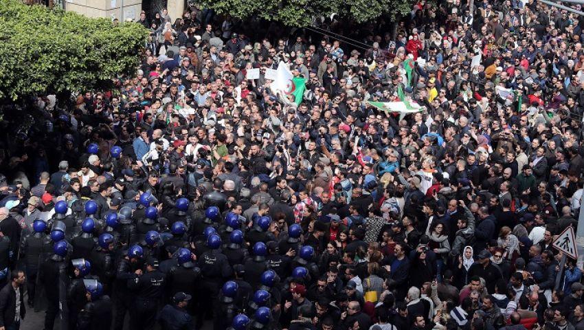 جارديان: في العاصمة.. نادرا ما تتسامح الجزائر مع التظاهرات
