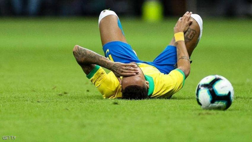 فيديو| الإصابة رقم 24.. نيمار يغيب 4 أسابيع عن «سان جيرمان»