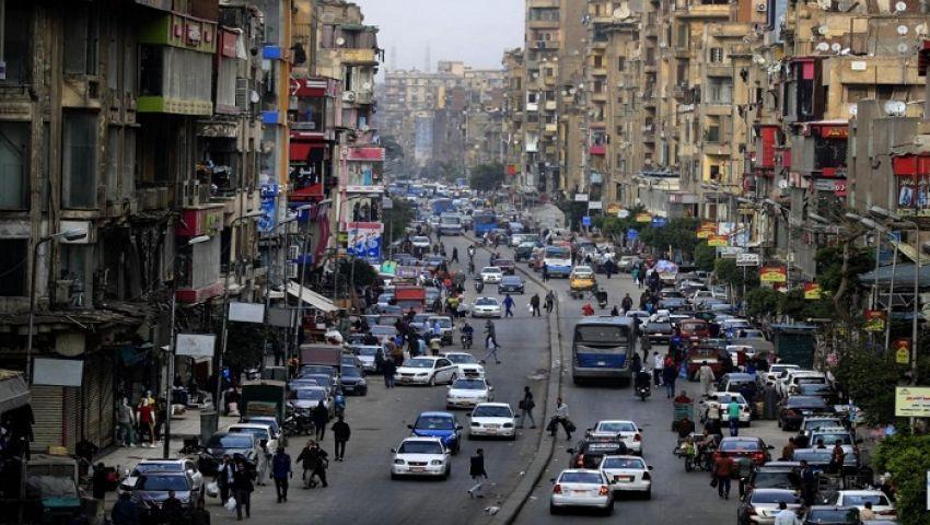 زحام أمام المحلات قبل العيد.. المصريون يتجاهلون كورونا (فيديو)