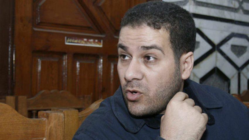 نشطاء لـ مظهر شاهين: أنت مش أنت وأنت انقلابي