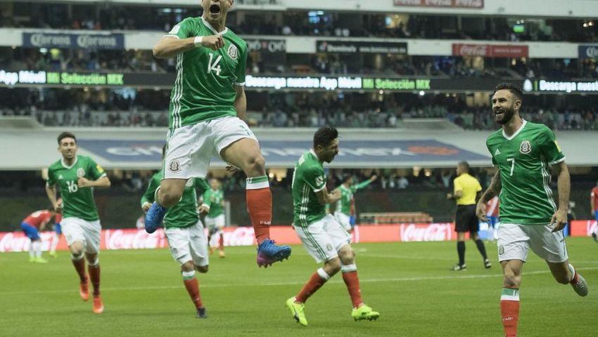 تشيشاريتو يعادل رقم بورجيتي مع منتخب المكسيك