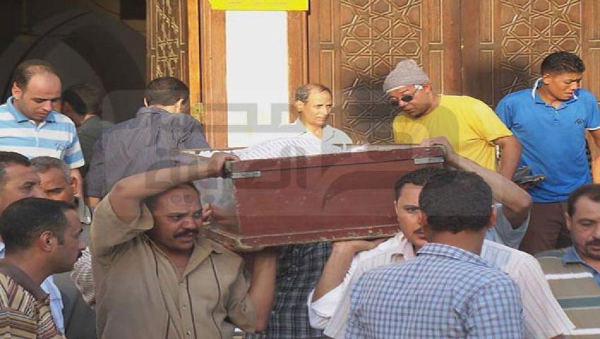 بالصور..العشرات يشيّعون قتلى أبو مسلم بمسجد السيدة نفيسة