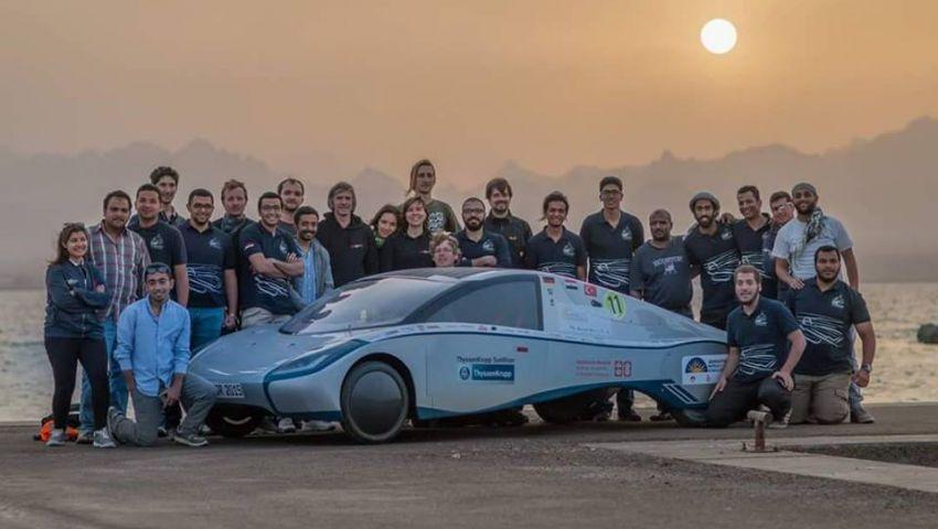 بالصور.. طلبة من هندسة القاهرة يصممون سيارة تعمل بالطاقة الشمسية