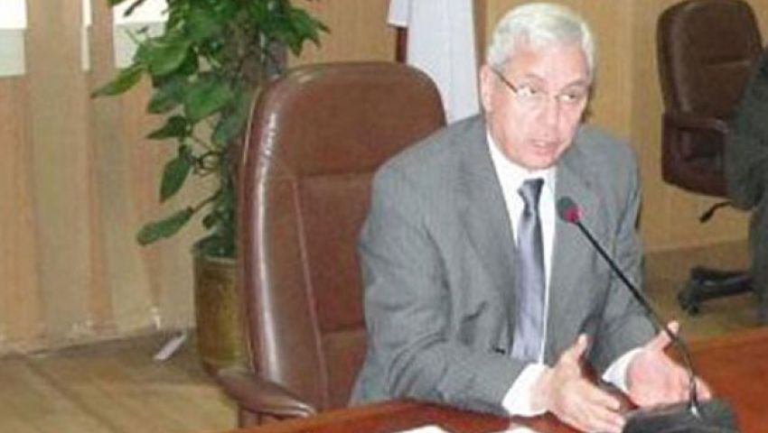 طلاب يطالبون بإحالة رئيس جامعة المنصورة للتحقيق