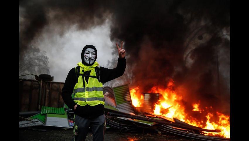 البرلمان الفرنسي يقر قانونًا لكبح جماح السترات الصفراء.. هكذا يُحجّم التظاهرات