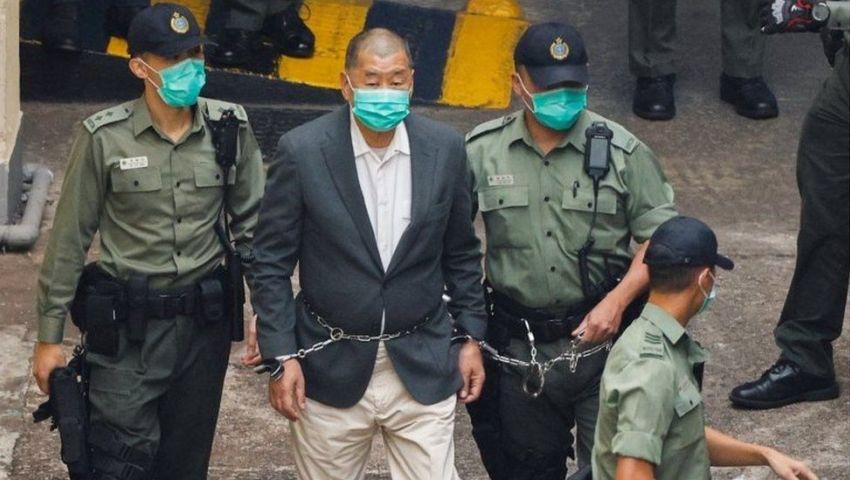 بطل أم خائن؟.. محكمة هونج كونج تفرج عن «إمبراطور الإعلام»