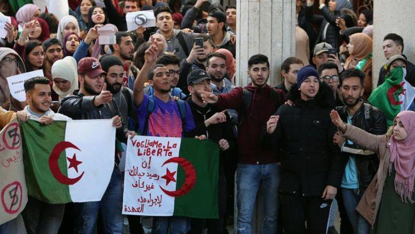 الجزائر.. 96 جمعية ونقابة تطرح خارطة طريق للخروج من الأزمة