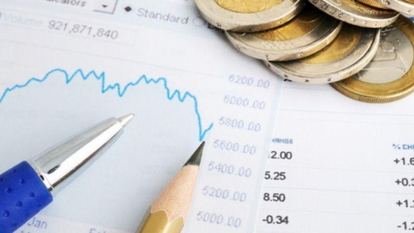 خبراء: الاقتصاد يتعافى.. وأسعار الفائدة والديون أبرز المخاطر