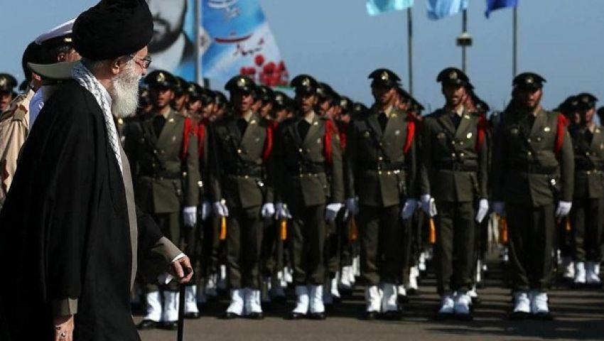 مع توقعات انكماشه.. إيران تحد من دور الجيش في إدارة الاقتصاد