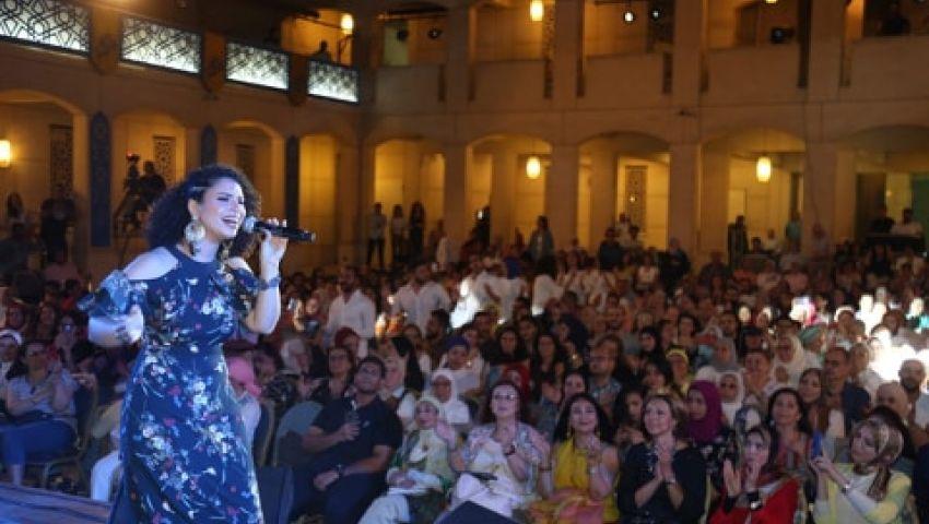 صور| بأغاني عربية وغريبة.. نسمة محجوب تسحر الجمهور بالأوبرا