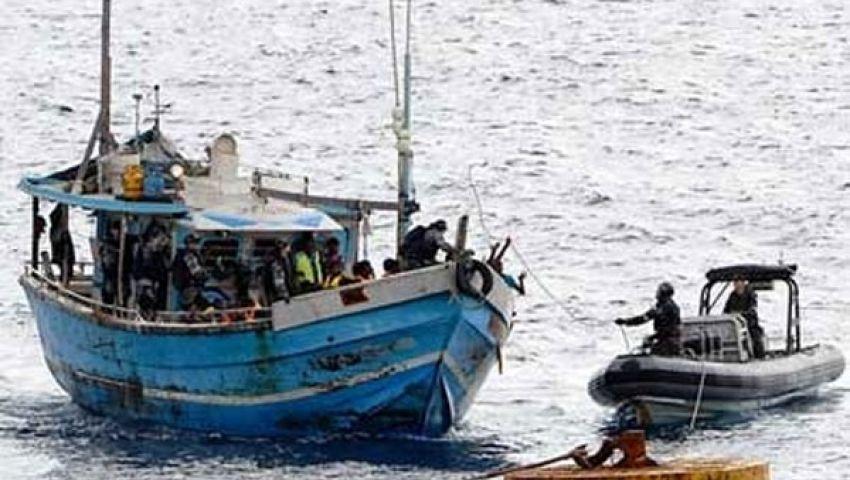 إنقاذ أكثر من 100 مهاجر بعد غرق سفينة إندونيسية