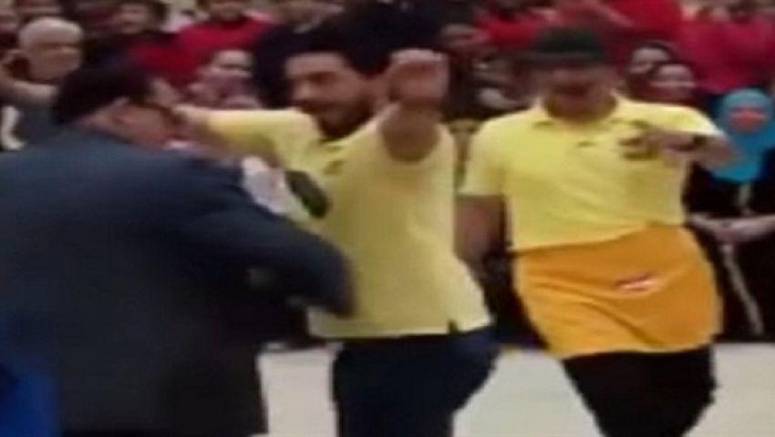 بالفيديو.. مدير مدرسة المعادي يعتذر عن رقصه على المهرجانات