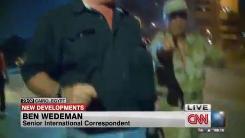 فيديو.. الجيش يقطع البث عن مراسل CNN على الهواء
