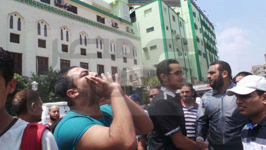مؤيدو مرسي أمام النور المحمدي يهتفون ضد السيسي