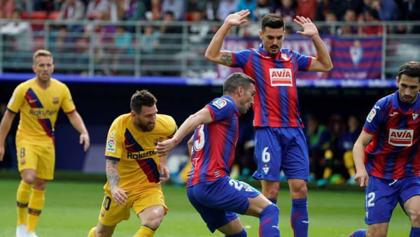 فيديو  برشلونة  يسحق إيبار بثلاثية نظيفة ويرتقي لصدارة «الليغا»