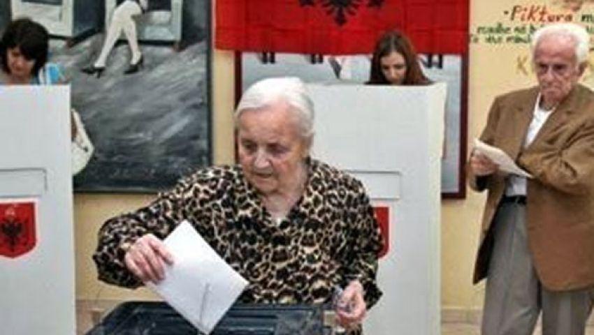 ناخبو ألبانيا يدلون بأصواتهم في الانتخابات البرلمانية