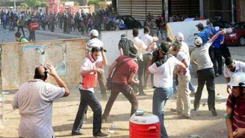 إصابة 15 في اشتباكات أمام مقر الحرية والعدالة بالفيوم