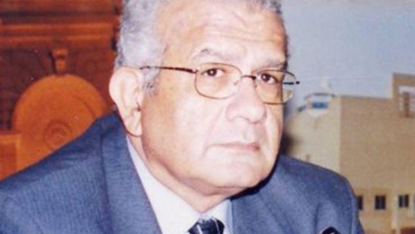 حازم حسني: أول دولة في التاريخ تُحكم بمنطق رقبتي ياريس