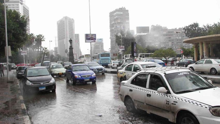 بالفيديو  سقوط أمطار بالقاهرة.. تعرف علىطقس الأربعاء ودرجات الحرارة