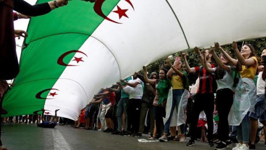 فيديو| الرئيس الجزائري أعلنها.. أول انتخابات رئاسية بعد بوتفليقة 12 ديسمبر