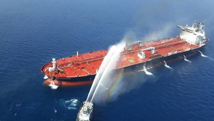 بلومبرج: هجمات الخليج تقفز برسوم التأمين على ناقلات النفط