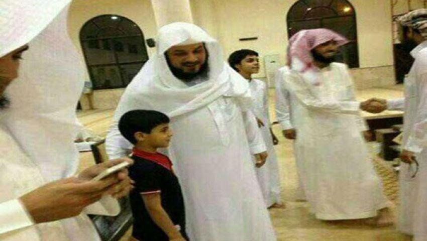 سلمان العودة على تويتر: تم الإفراج عن العريفي