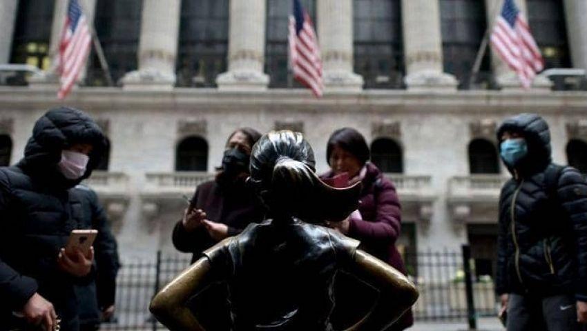 فاتورة كورونا تتضخم في أمريكا.. الإصابات تتجاوز 735 ألفًا