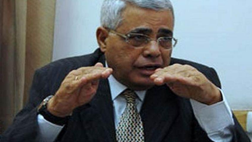 نافعة: يجب منح منصور ثلاثة أشهر لتقييمه