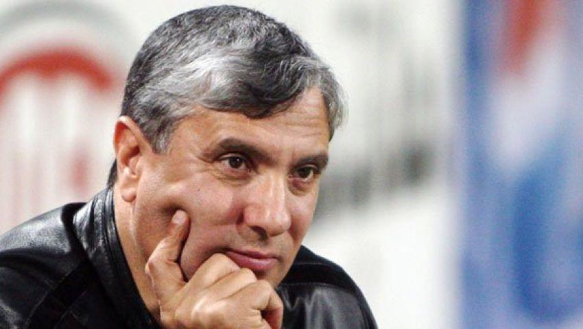 مدير الكرة بإنبى يكشف حقيقة خلافات العشرى مع عبد المنصف
