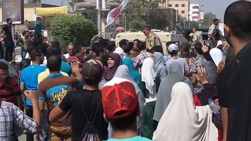 احتجاجات طلابية ببني سويف تنديدًا باقتحام المدينة الجامعية بالأزهر