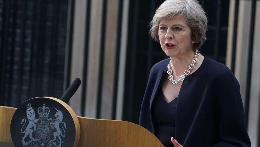 بريطانيا تبدأ الخروج من الاتحاد قبل انتخابات ألمانيا