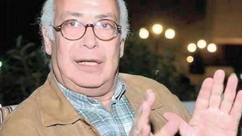 نادر فرجاني: احذروا عملاء الأمن على فيس بوك