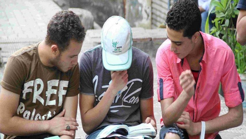 طلاب الدبلومات يتسلمون اليوم امتحان التربية الدينية للإجابة عليه بالمنازل
