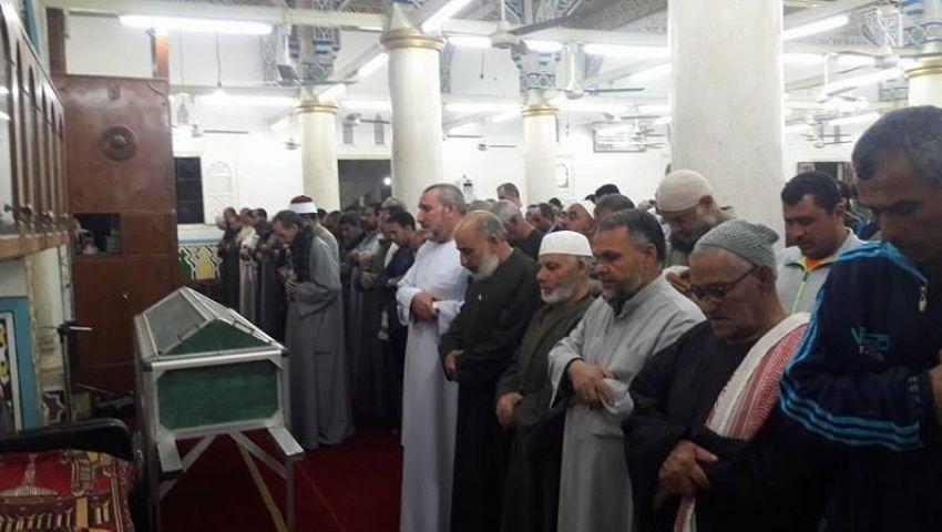 صور| محمد صلاح يصل مسقط رأسه للمشاركة في عزاء حماه
