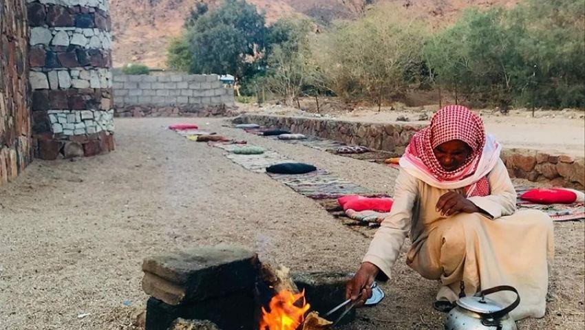 صور| إفطار وجلسات سمر.. الديوان قبلة السيناوية في رمضان