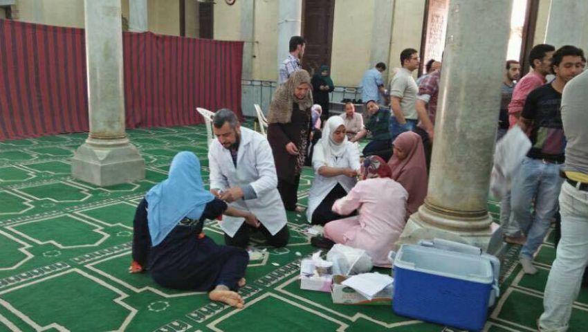 بالصور| أهالي طنطا يتبرعون بالدم داخل المساجد