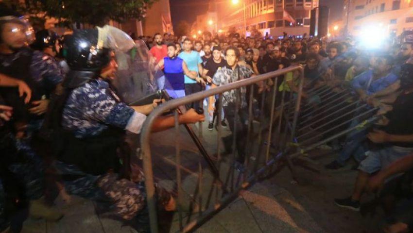 «لبنان ينتفض»| ضرائب واتساب تشعل احتجاجات عارمة في بيروت.. «فيديو»