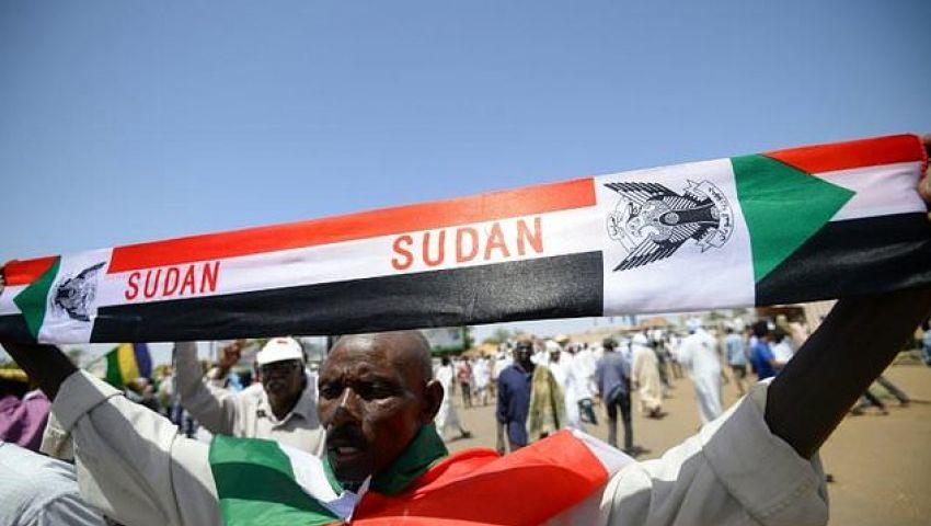 الفرنسية: في السودان الجديد.. العسكر والمحتجين ولا مكان للإسلاميين