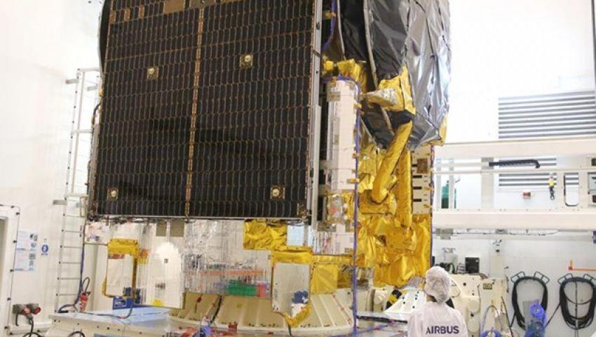 «طيبة 1».. هكذا تستفيد مصر من أول قمر متخصص في مجال الاتصالات